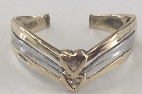 指輪をペンダントネックレスに作り替え